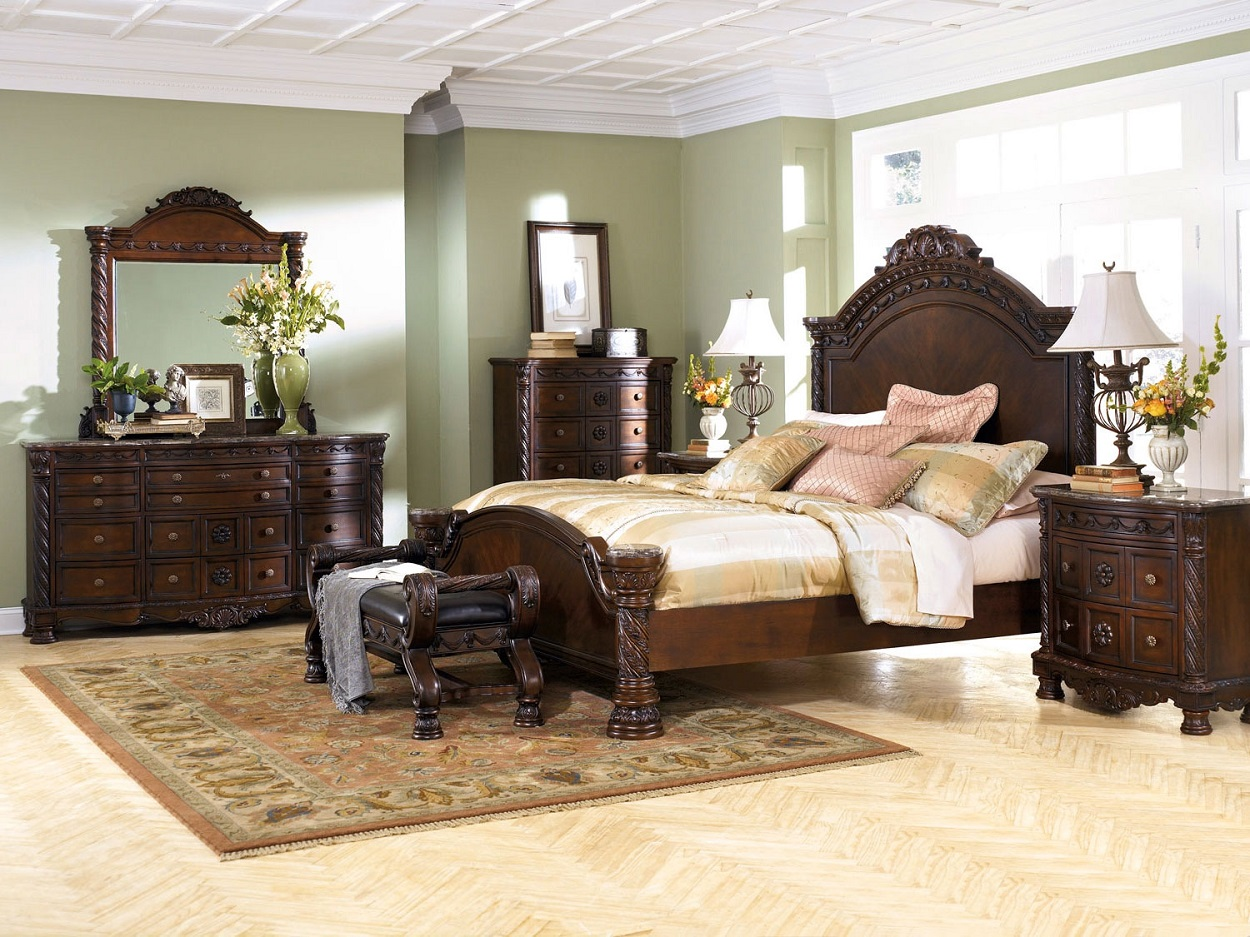 A Rich Traditional Design And Exquisite Details Come