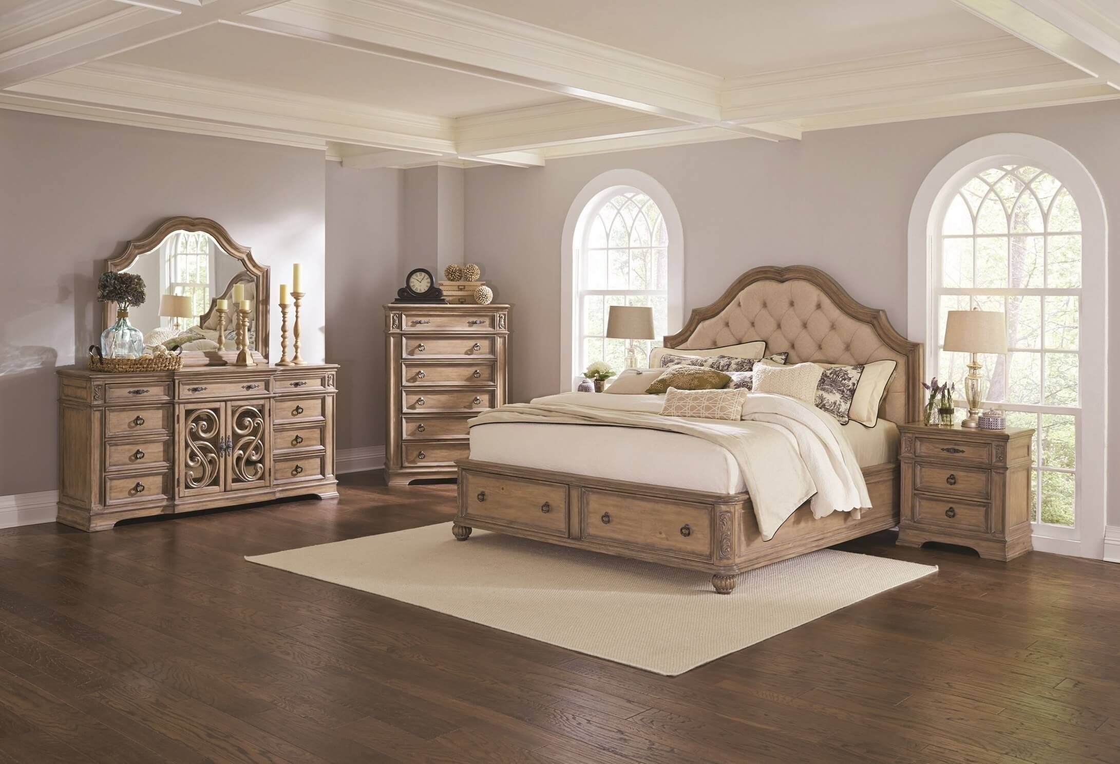 Ilana Collection 205070 Bedroom Set. Ilana Collection 205070 Traditional Upholstered Storage Bedroom