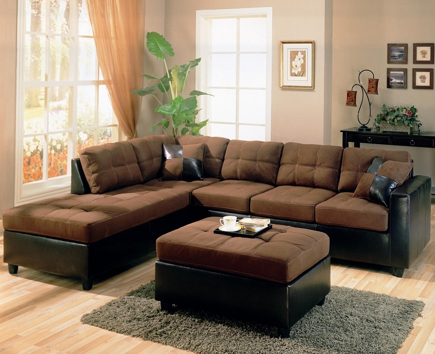 4 Pc. Sectional Living Room Package With 32\