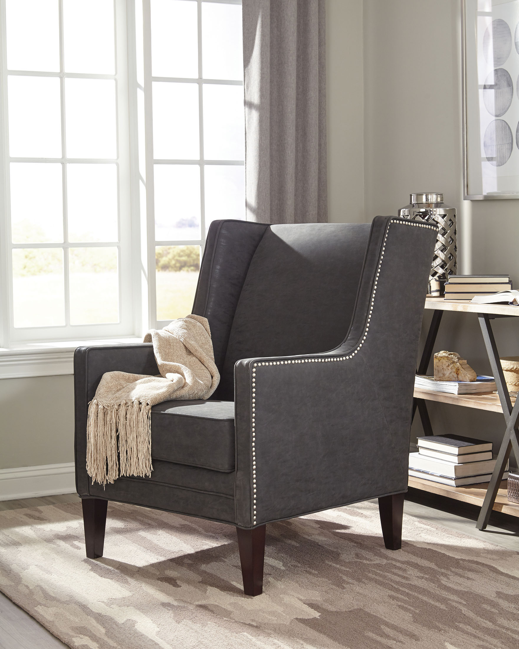 Donny Osmond Home 902988 Charcoal Fabric Accent Chair