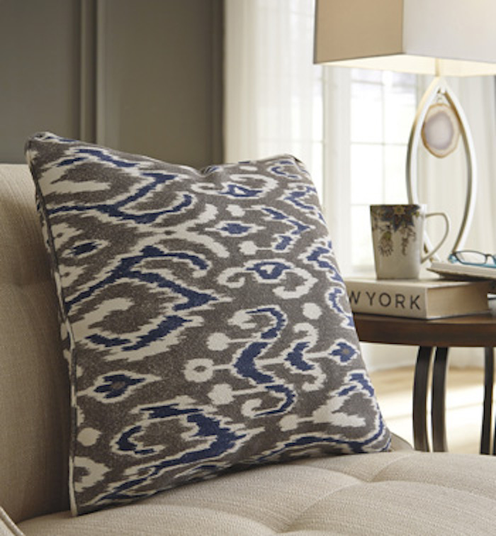 A1000489 Kenley By Ashley Pillow Set Of 4 Blue Brown