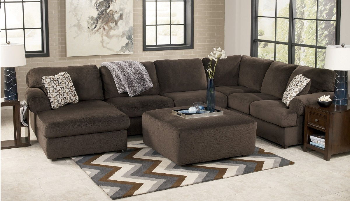 Jessa Place Collection 39804 Sectional Sofa