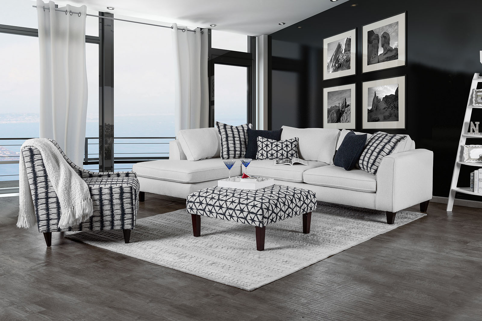 Sm8232 Off White Sectional Chaise