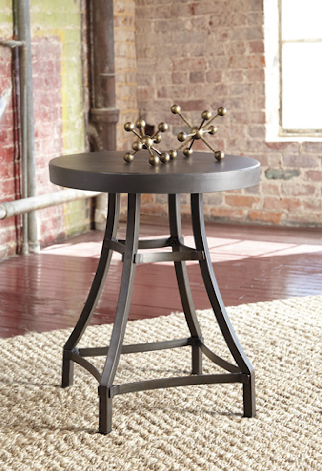 T913 6 Starmore By Ashley Round End Table In Gray Brown