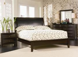 5 Pc Platform Bedroom Package With Wyckes Pedic Mattress