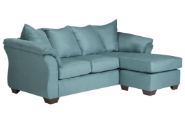 Darcy Collection 75006 Sectional With Chaise