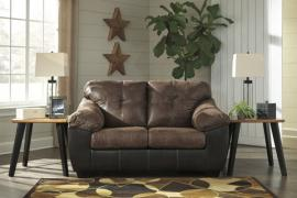 Gregale 91603 by Ashley Loveseat